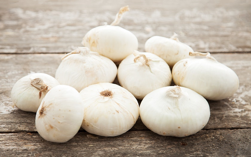 Organic Cosmetically-Challenged White Cipollini Onions
