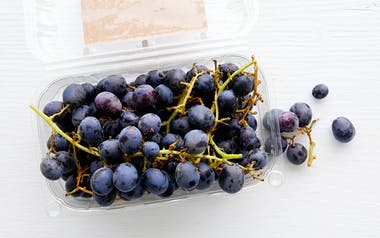 Organic Seedless Black Emerald Grapes