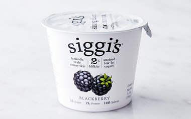 Lowfat Blackberry Icelandic Yogurt