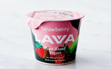 Strawberry Pili Nut Yogurt