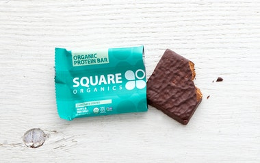 Chocolate Coated Nuts & Sea Salt Bar