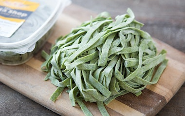 Fresh Gluten-Free Spinach Fettuccine (with Egg)