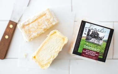 Teleeka Goat, Sheep & Cow's Cheese