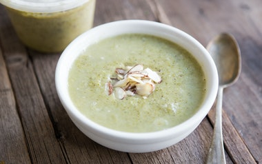 Broccoli Soup with Almond