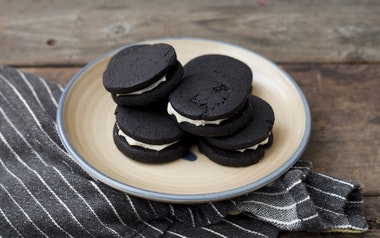 Dark Chocolate Sandwich Cookie