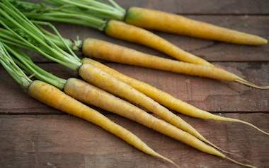 Organic Yellow Carrots
